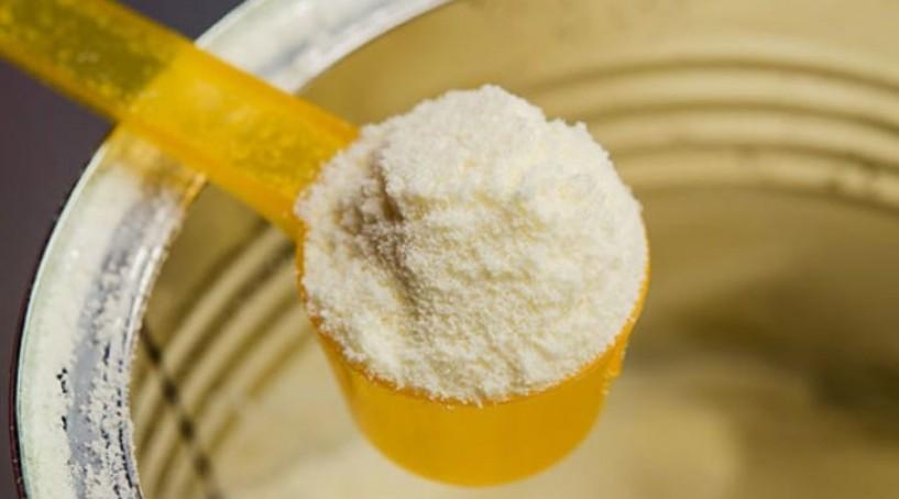 Màu sắc của sữa Pediasure thật sẽ có màu vàng sắc, không bị vốn cục